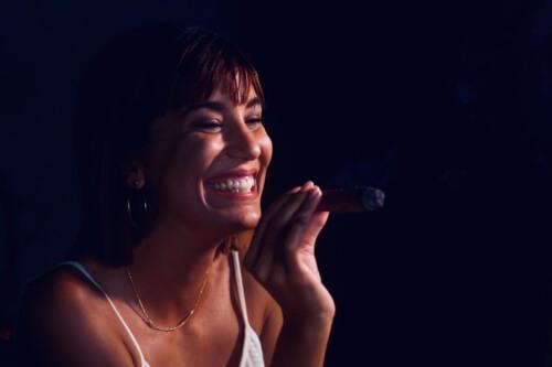 Havana Party Pub Crawl - a Woman singing